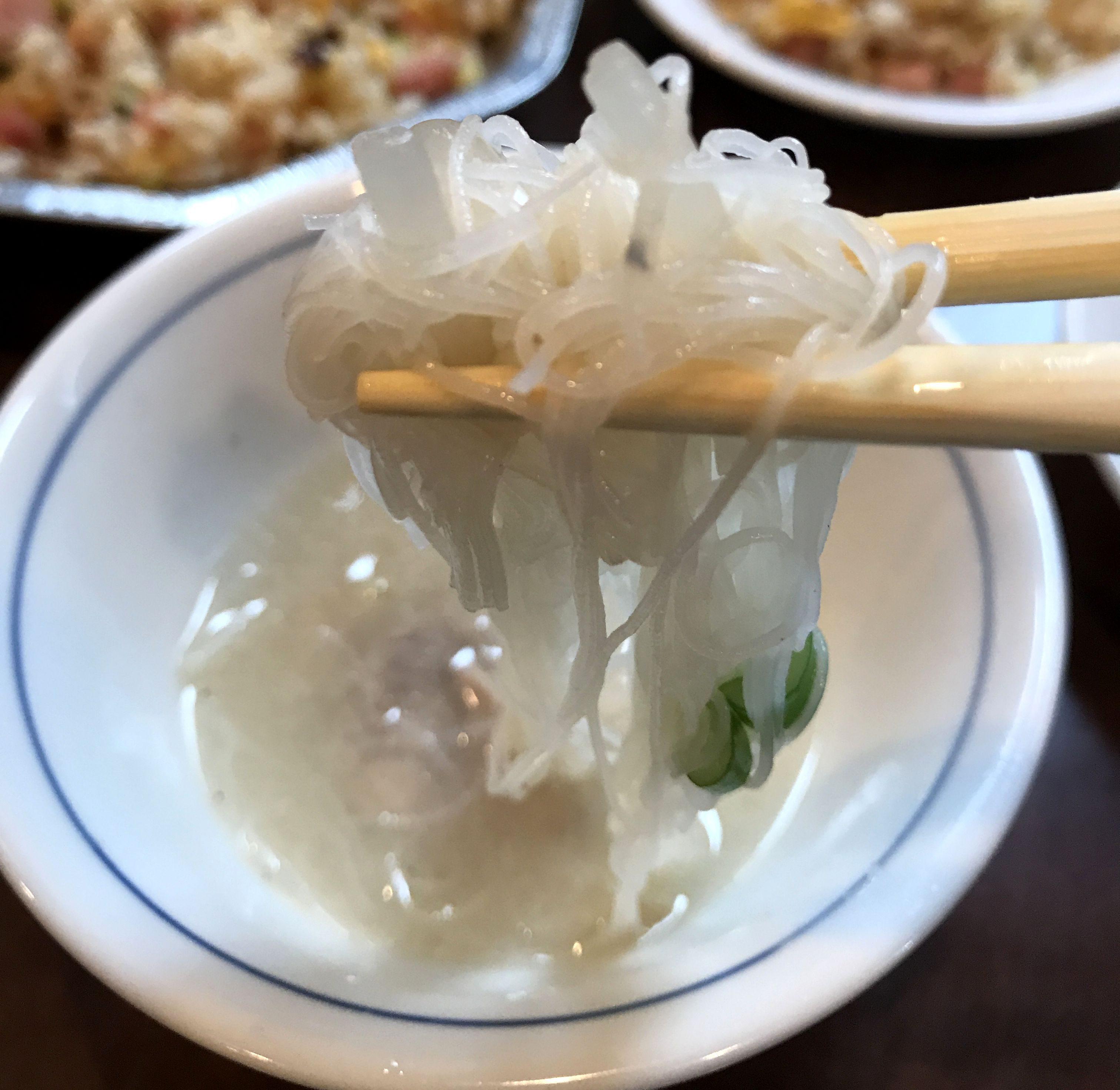 渋谷「麗郷」の麻婆豆腐_ひと口
